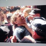 RT @Anaais5: Técnicas del Ayuntamiento de Alicante para evitar que entraran participantes de la protesta http://t.co/h2WjDP0L54 http://t.co/hpUZGsu0iJ