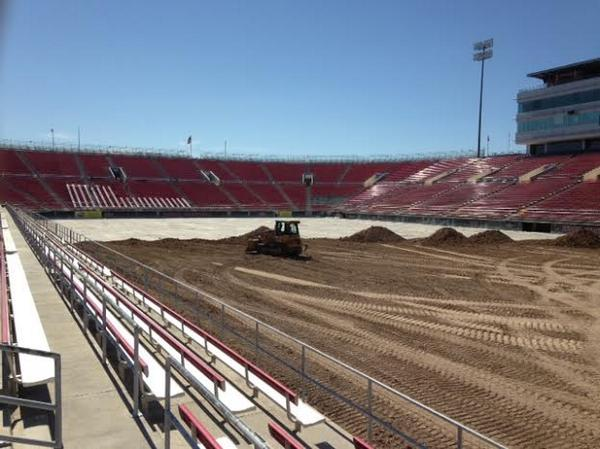 The dirt has arrived to @SamBoydStadium. #MonsterEnergyCup http://t.co/oG3TcRd1yb