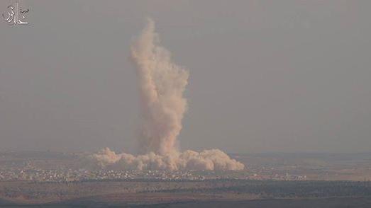 Yusuf Özhan (@Yusuf_Ozhan): Suriyeli muhalifler, rejime ait El Hamidiye askeri üssünü tünel saldırısıyla havaya uçurmuş #Suriye http://t.co/nimhzIWCkM