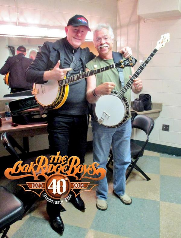 Another pic with my banjo brother @ToddTaylorBanjo http://t.co/4K7Gb8AqaZ