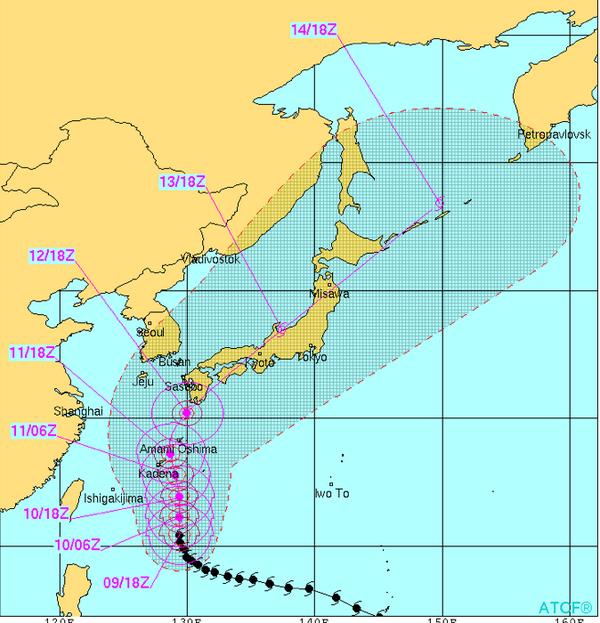 今朝発表された台風進路予想図です。脅かすつもりはありませんが、スーパー台風19号は非常に強い勢力で日本を縦断しそうな勢いです。早めの対策と今後の台風情報に十分注意して下さい。 http://t.co/EO9zoXGI7h