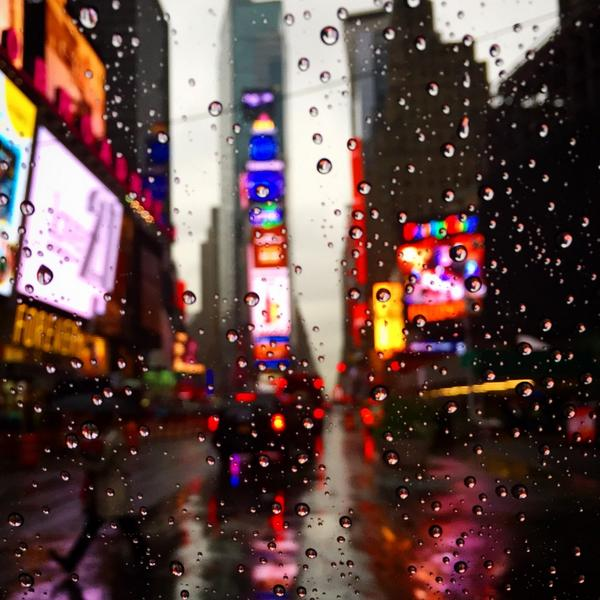 Rainy Saturday in NYC! http://t.co/dP2poyV33j