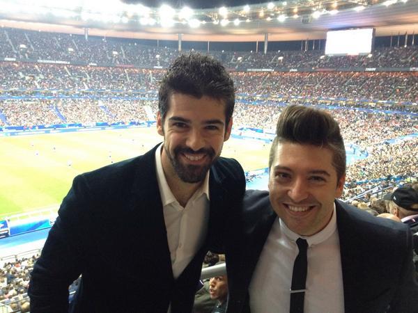 Regardez qui j'ai rencontré au match de foot #FRAPOR @LeChrisMarques  Très contente pour la #france @TF1 @DALS_TF1 http://t.co/Z8Hp5mdv3V