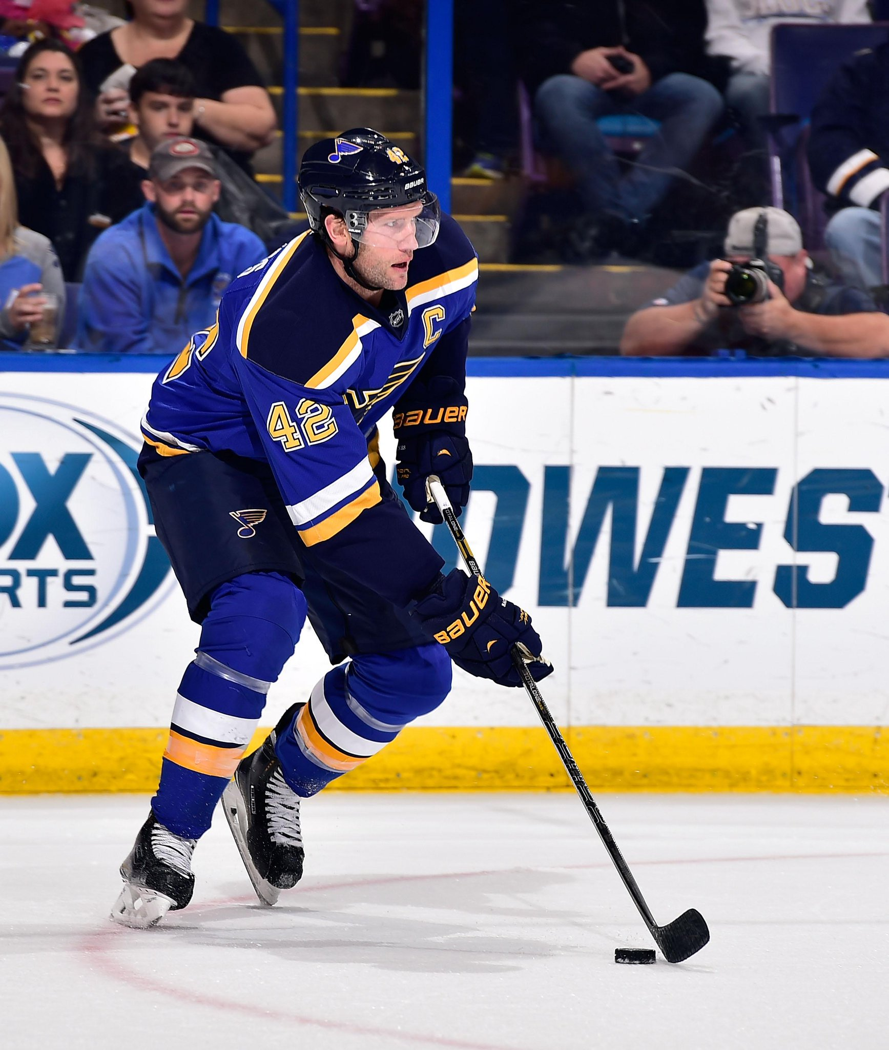 A PPG from Backes and 3 assists from Stastny as the @STLBLues lead the @NHLFlames 4-0. #STLvsCGY http://t.co/kq5YIamEGZ
