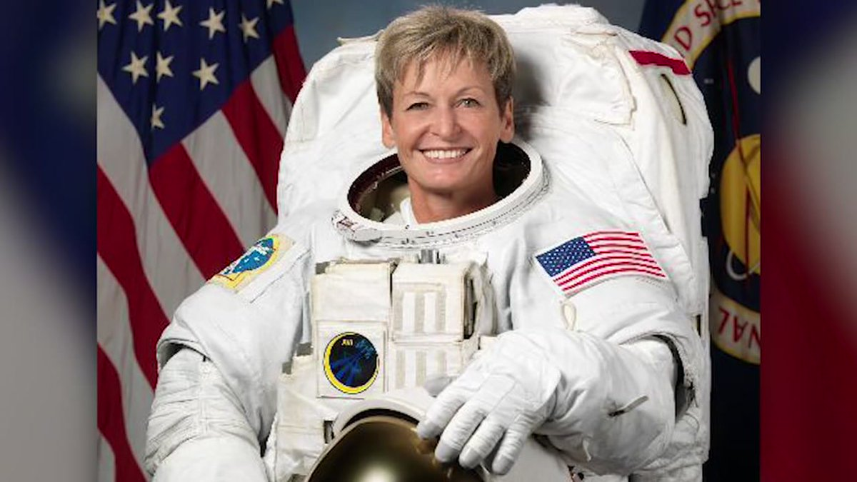 Congratulations to @AstroPeggy for breaking an America spaceflight record!  https://t.co/TCMfVIvWX5 #abc13