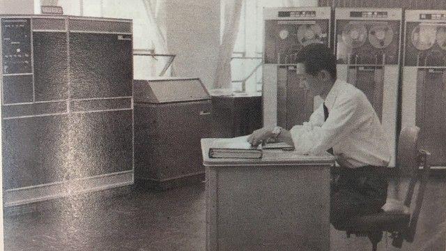 우리나라 최초의 컴퓨터 사용자는 경제기획원 통계국, 1967년 4월24일 12시30분 'IBM 시스템 1401' 가동 시작 https://t.co/eLh9wSHXeM