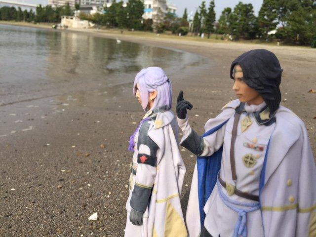 そういえばこうして2人で出かけるのって、久しぶりですね。(沖田)そうだな。たまに水入らずでこういうのも悪くない。近藤さん
