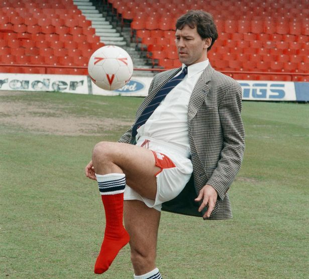 Happy 60th Birthday to the Manchester United and England legend Bryan Robson - the inventor of smart casual.