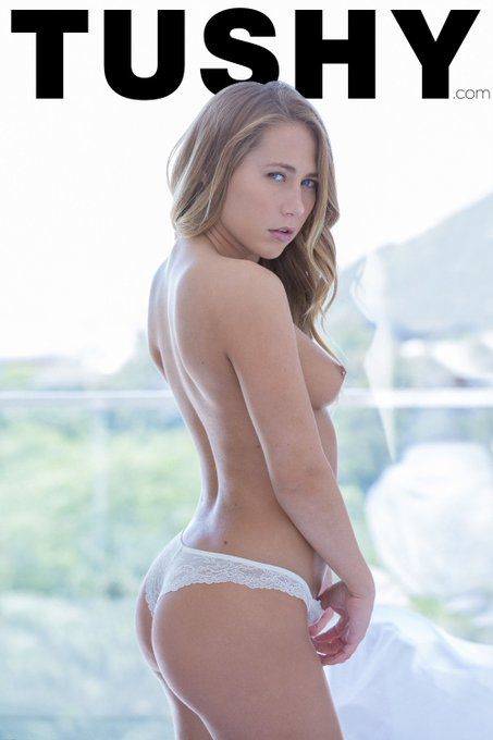 Can't have #TushyThursday without a bomb #TUSHY such as @CarterCruise's! » https://t.co/Q81Z9jSpOv 💋