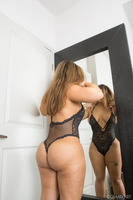 Lisa trying on another black teddy. #lingerie https://t.co/CtA6G5M7hc See more #BBW pics https://t.c