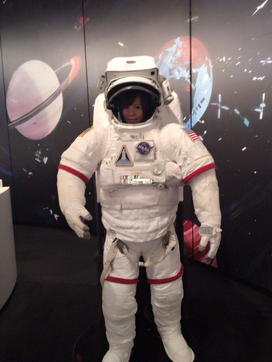 先日六本木の宇宙と芸術展に妹と行ってきました♡宇宙飛行士になった気分を姉妹で味わってきました*\(^o^)/*宇宙兄弟、