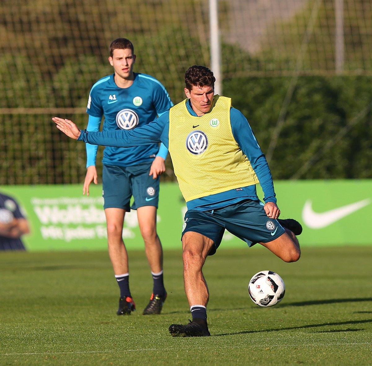 Es war eine gute und harte Vorbereitung! ⚽️💪🏽 Auf eine erfolgreiche Rückrunde!!! @VfL_Wolfsburg #MG33 #comeonwölfe https://t.co/2z7XIxMh4T