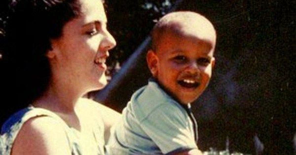 Young Barack Obama on what his mother taught him about love https://t.co/fFxFNJOjV5 #FarewellAndThankYou