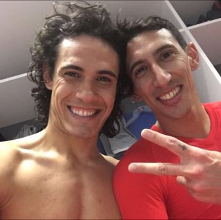 Happy birthday to both Edinson Cavani and Ángel Di María. They face Barcelona at the Parc des Princes tonight.