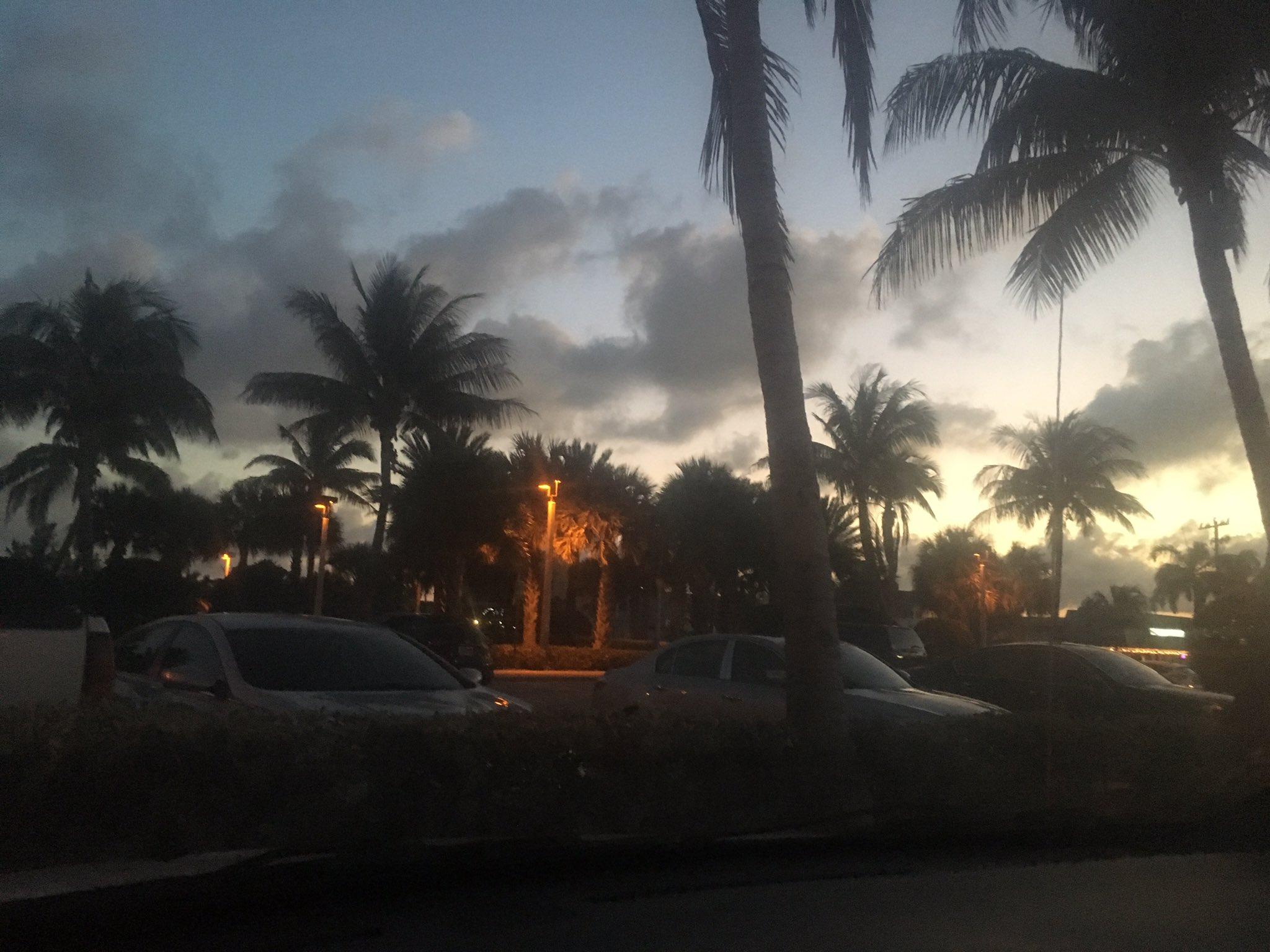So beautiful �� #southflorida #Mistress #Beach https://t.co/yACIBG5G1f