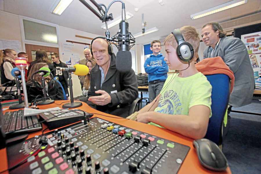 La Mare pupils look to make waves with radio station « Guernsey Press