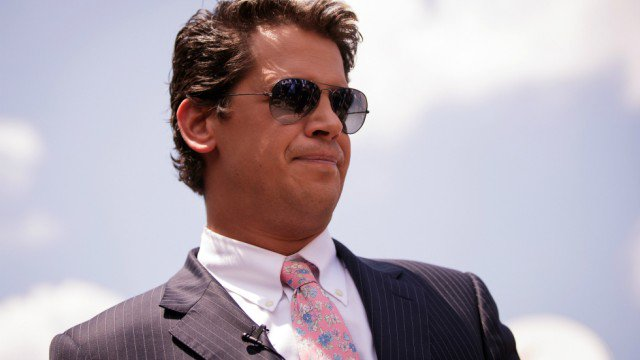 JUST IN: Breitbart employees threaten to leave if Yiannopoulos is not fired https://t.co/W2s9cTZX2k