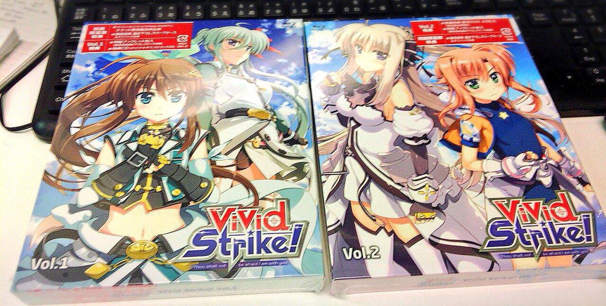 今日頂きました!#vvst #vivid_strike BD1と2! のボックスアートカッコよくて綺麗です!更に中側でア