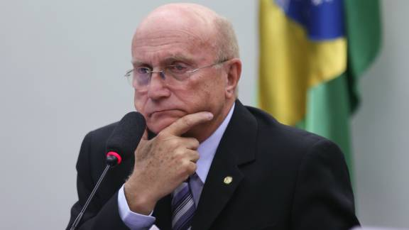 Temer nomeia Osmar Serraglio para a Justiça. https://t.co/PC7WrfQi3G