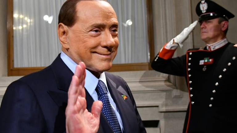 Berlusconi leiloa na internet um almoço com ele. https://t.co/YkR79SzQyp