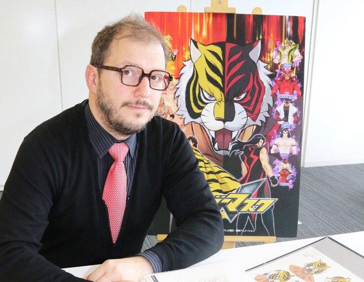 タイガーマスクW:34年ぶり新作の復活の裏側 異色のルーマニア出身プロデューサーの素顔も