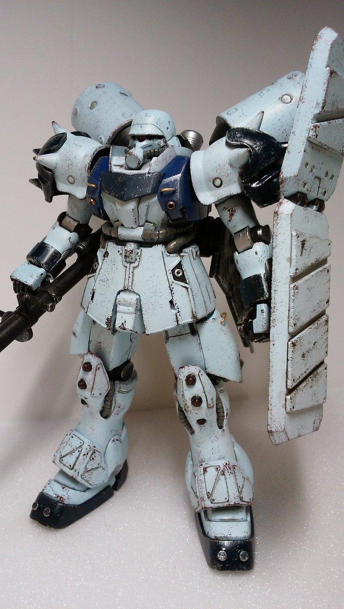 ギラ・ズール完成!!今回は塗り分けを頑張ってみました。後は各部追加装甲と金属パーツ使用#ガンダムUC#ガンプラはどんな自