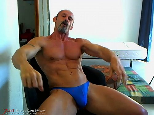 Bodybuilder Diego added a new hot muscle video - come see it on https://t.co/SEzuUB8zNB https://t.co