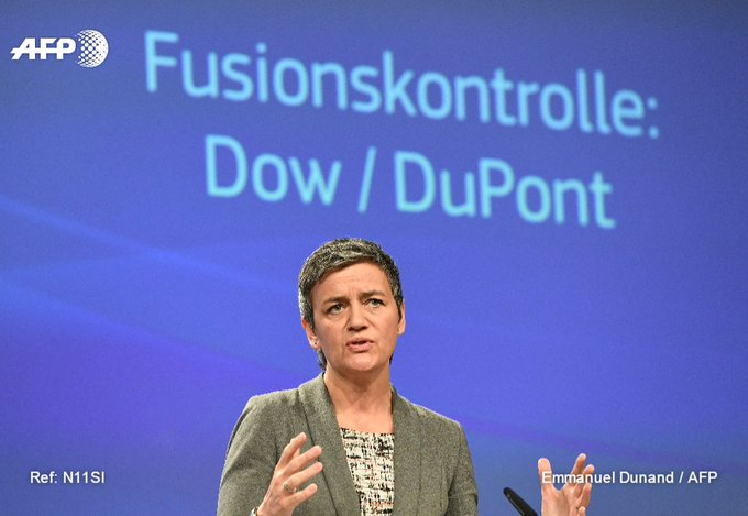#UPDATE EU clears merger of US chemicals giants Dow and DuPont https://t.co/r6nGrOiwto
