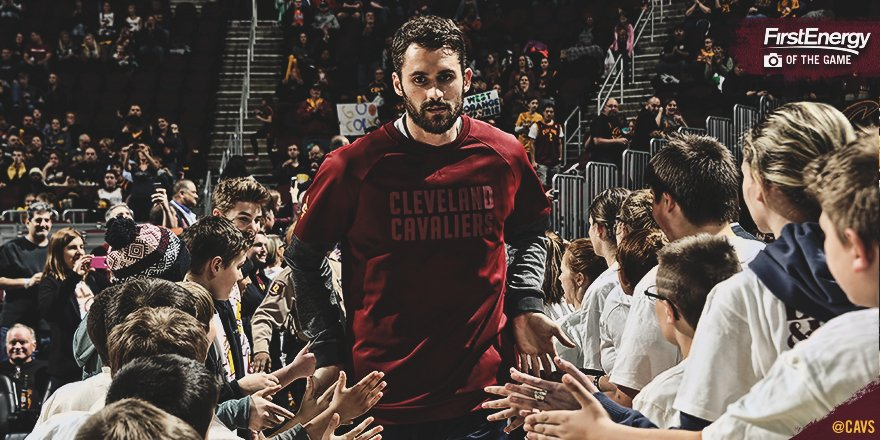 10 points & 9 rebounds in 19 minutes. It's good to have @kevinlove back to #DefendTheLand. https://t.co/bK9QIXGAva