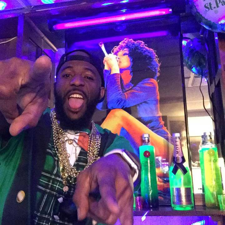 ✨��Chillin, relaxing, chillout together with #liveme KingOf♛Diamonds: https://t.co/YFR4mAfWRT https://t.co/OvSgPIj6sZ