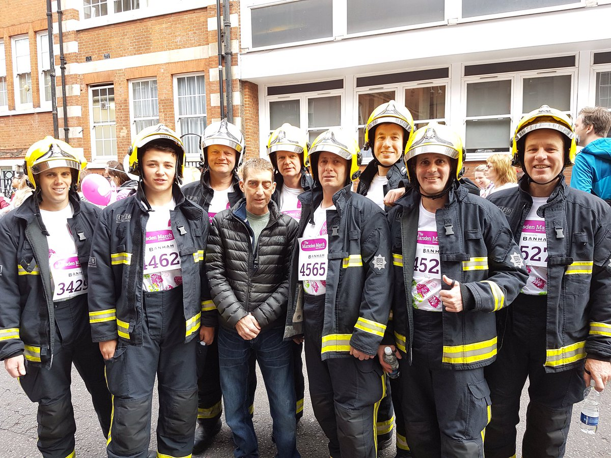 #Wandsworth firefighters took part in @royalmarsden March in aid of colleague Paul who has terminal cancer. Donate https://t.co/DVNiG6E2HD