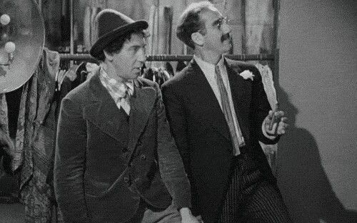 #Groucho: Two beers bartender. #Chico: I'll take two beers too. #ANightAtTheOpera 1935 #Chico Born OTD 1887 https://t.co/KE4R7lC2iD