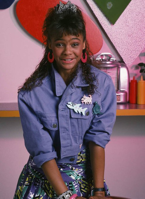 Happy Birthday to Lark Voorhies, who turns 43 today!