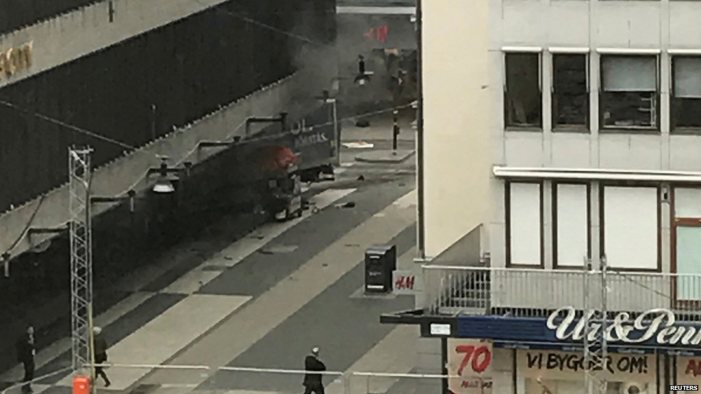 Three dead in Stockholm, Swedish media report, after lorry rams into crowds in city centre  https://t.co/LnYjcNrNou https://t.co/ibazjaTPXH