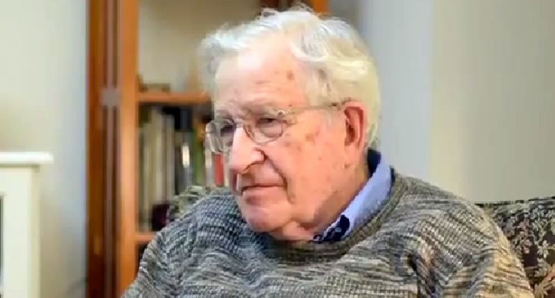 Noam Chomsky: Trump could stage a 'false flag' terror attack and 'change the country instantly' https://t.co/Wru0YJtZAa