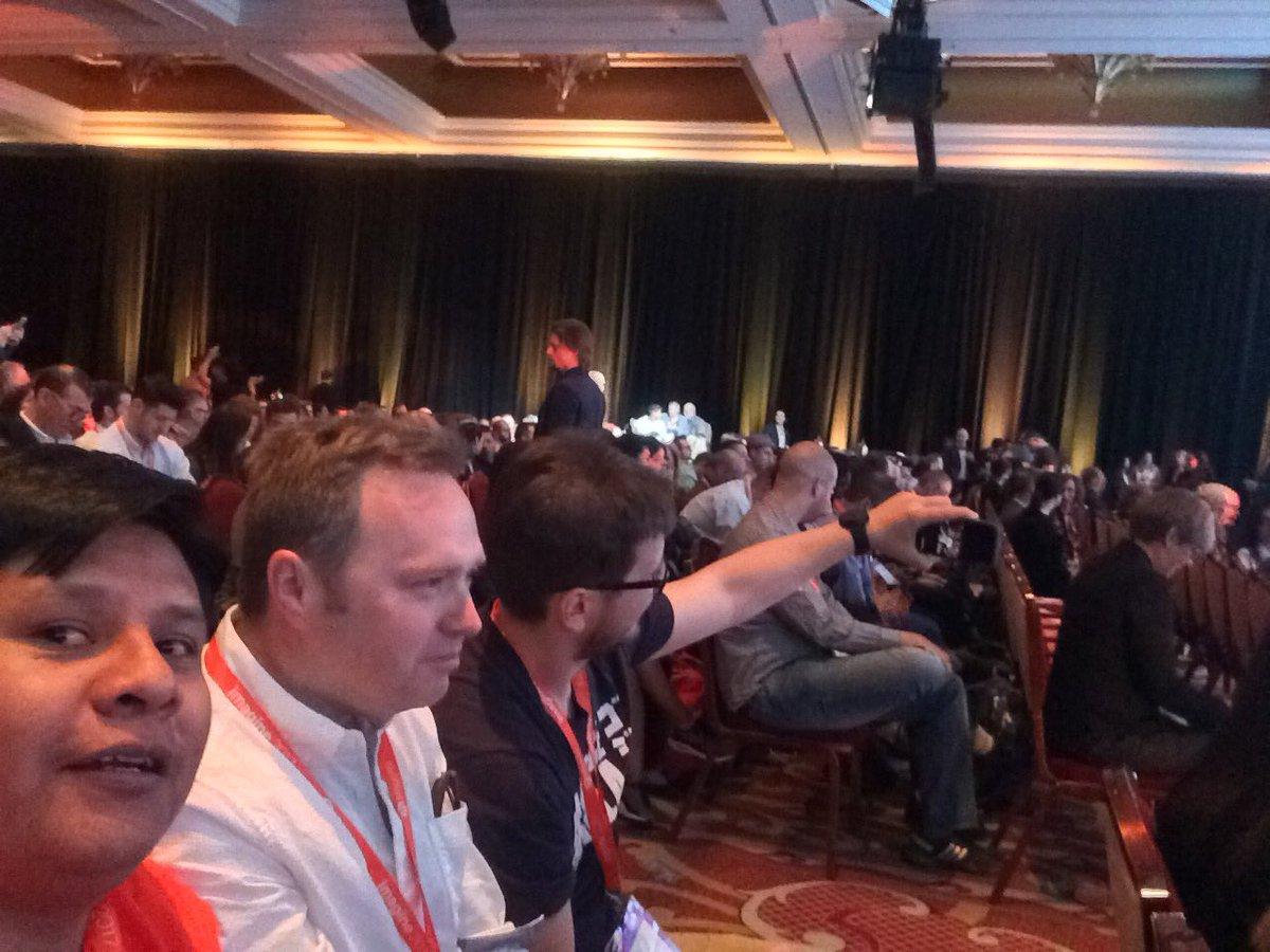 jmontevillat: #magentoimagine second general session with @FutureDeryck @drlrdsen https://t.co/n27w4eaPeR