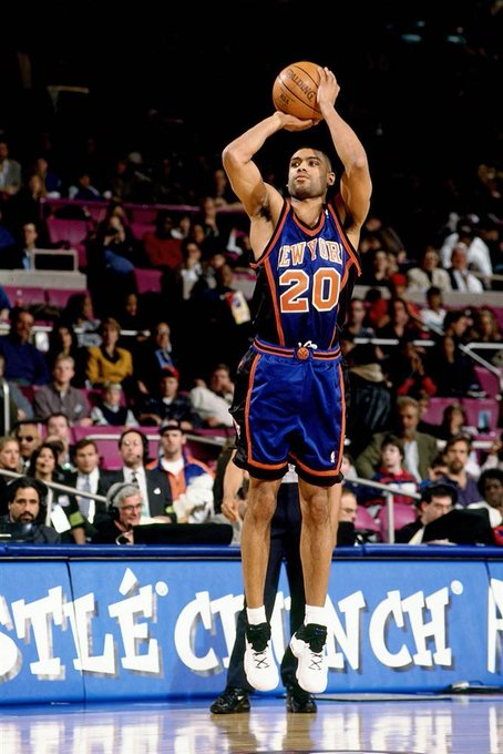 Happy Birthday to Allan Houston who turns 46 today!