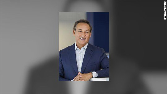 United scuttles plan to give CEO Oscar Munoz broader control following violent removal of passenger from an aircraft https://t.co/CqBLFhRH9M