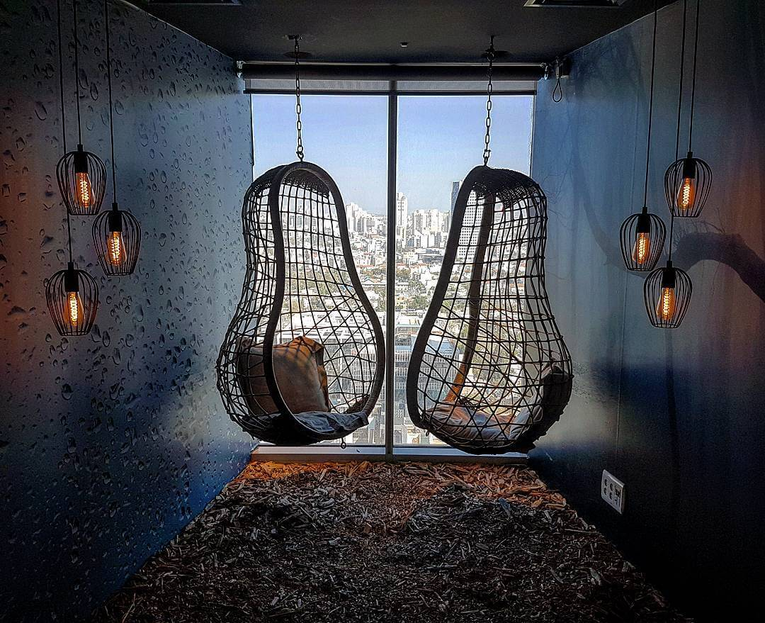 Search in Pics: Google bird nest room, braille business card & real big easter eggs