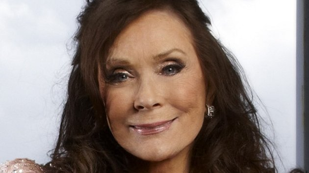 Happy birthday today to country music legend Loretta Lynn!