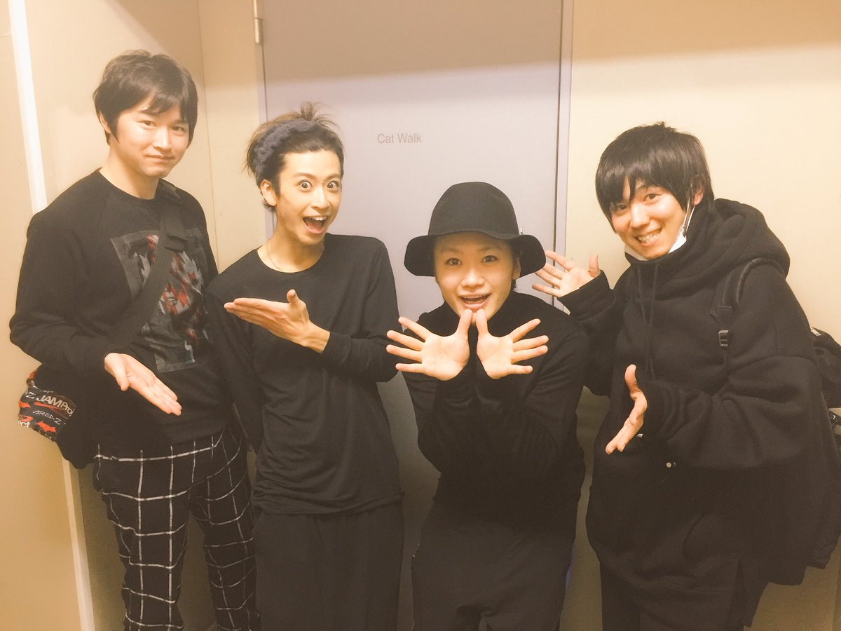 りょーちんさんと行ってまいりました!赤澤さんとちゃん鳥ちゃんと。TRICKSTER〜the stage〜最高でした! そ