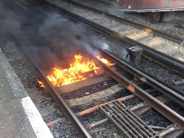 Firefighters dealt with a small track fire #ThisWeek between #NewCross & St Johns https://t.co/Spy7ud51uA