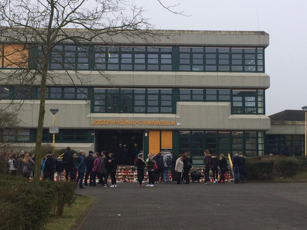 16 Students and 2 teachers from this school in Haltern were killed on #4U9525 @cnni @NewDay http://t.co/Udubl7xfxM