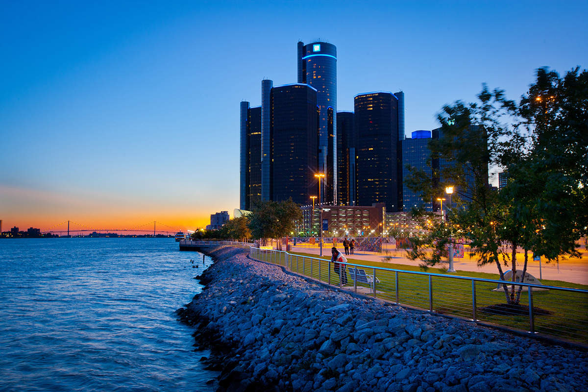 Nothing better than cruising on the Detroit River between the US and Canada at sunset. #313DLove http://t.co/pFIczlnFeR