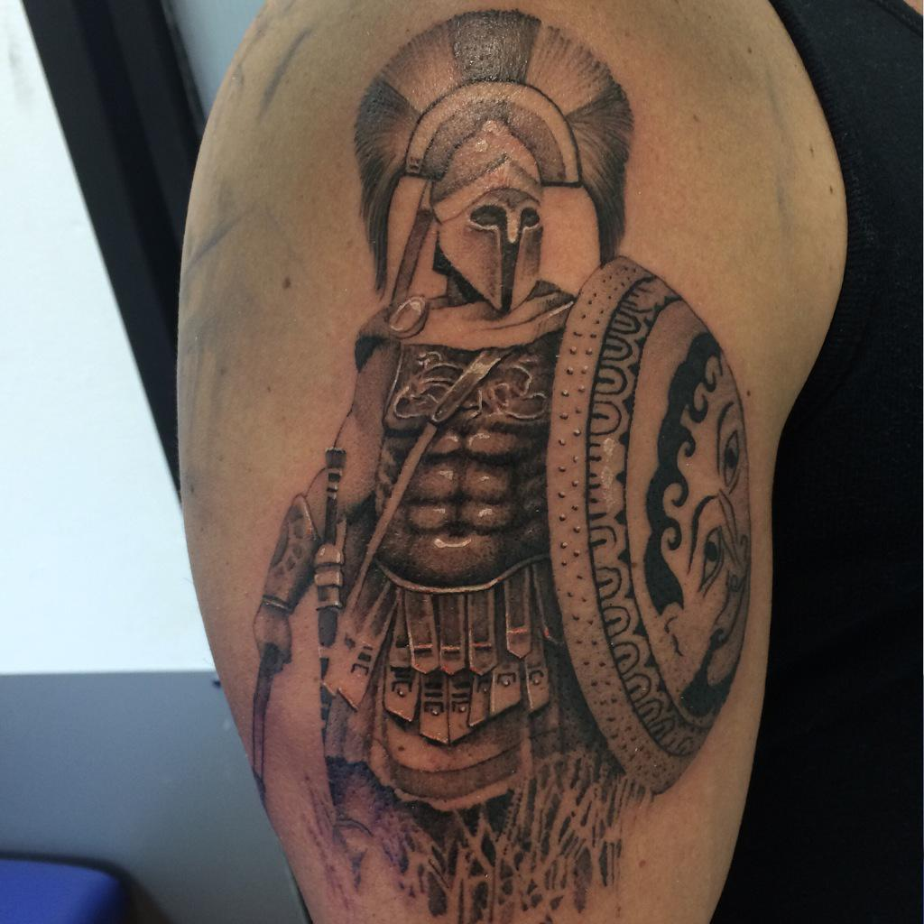 Татуировки гладиаторов на плече фото