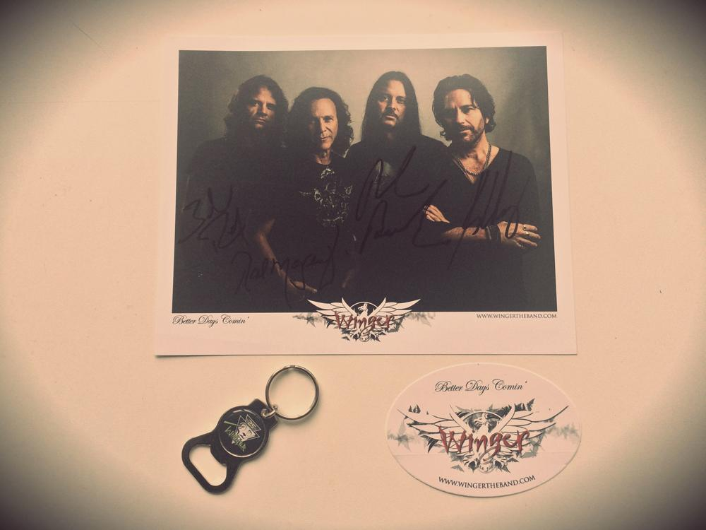 FAN OF THE WEEK CONTEST  RT to enter  3 fan packs to be won!  #rules http://t.co/qJud6heQzc   #wingerwednesday #rocks http://t.co/9virHlDCWL