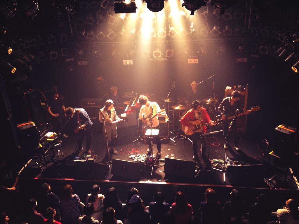 GRAPEVINE【風待ち】をぐあしツアー大分でアルカラ太佑さんと歌いましたー 最高の思い出です。ツアーに遊びに来てくれた皆さんありがとうございました。 またこのバンドでツアーに出たい。 http://t.co/emyrsg0LaZ