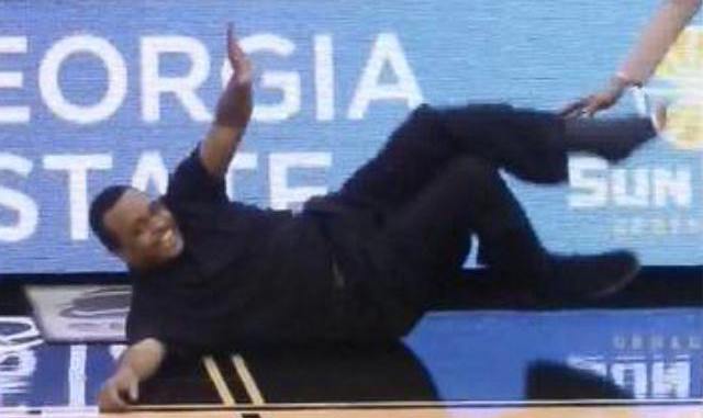 Fall into her DMs like http://t.co/BKDKLD1opW