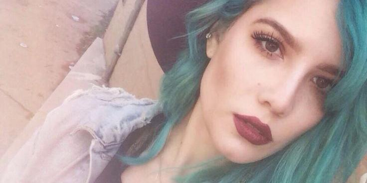 What does this teal-haired beauty wear to #SXSW? See @halseymusic's style picks for #SXSW http://t.co/f01b8F4sQ1 http://t.co/66LXCMAJb9