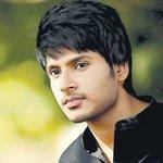 RT @tamilstar: '#யாருடாமகேஷ்' படத்தின் ஹீரோவின் அடுத்தப்படம் #YarudaMehesh #SundeepKishan  http://t.co/Yv4x1K38UH http://t.co/Q50y6UejFo